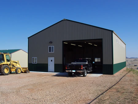 2500 SF. Heated, office, restroom. 18' ceilings. Secured area. Exit 51.